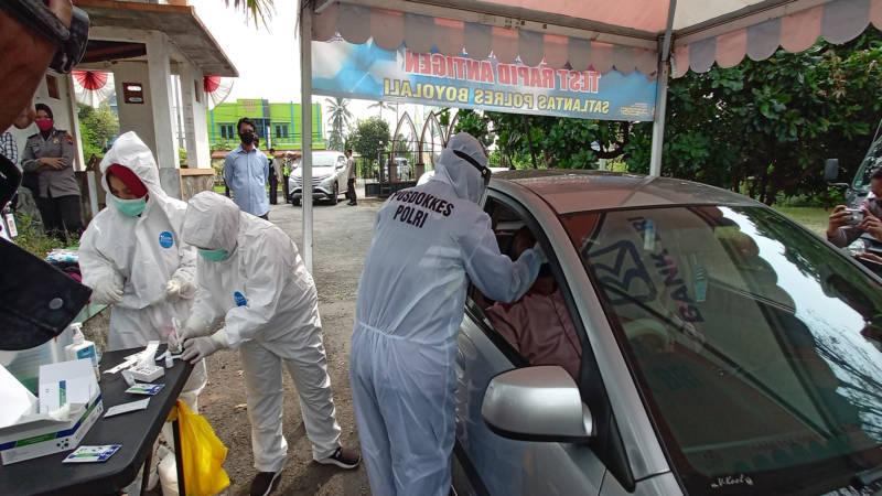 Puluhan Kendaraan Disetop Di Jalan Solo-Semarang Boyolali, Penumpangnya Dites Antigen