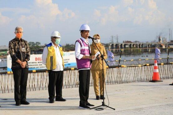 Jokowi Sebut Tol Semarang-Demak Solusi Macet Puluhan Tahun
