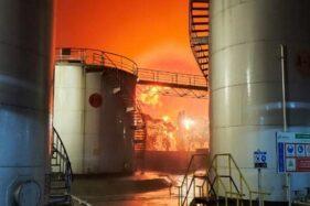 Foto & Video Kebakaran Kilang Pertamina Cilacap Beredar