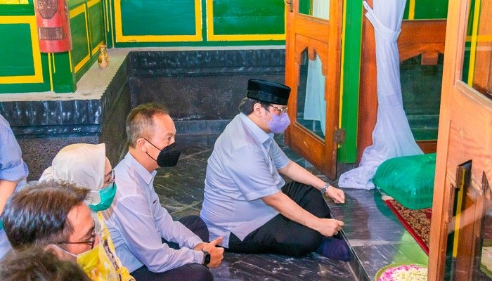 Ziarah Eyang, Bukti Airlangga Hartarto Keturunan Trah Mangkunegara