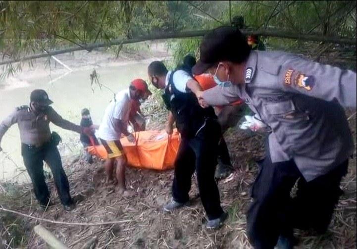 Medan Curam, Polisi Kerja Keras Evakuasi Mayat di Sungai Lusi