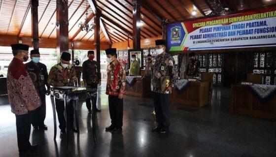 Penyederhanaan Birokrasi, Bupati Banjarnegara Lantik 28 Pejabat