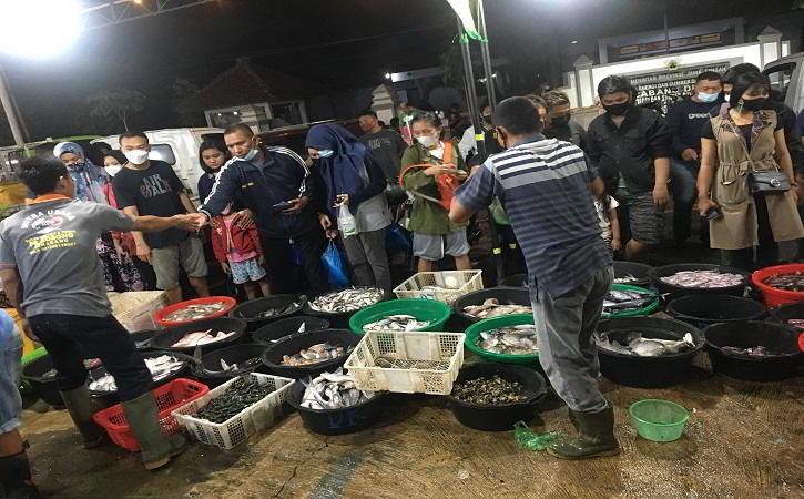 Belanja Seafood Fresh di Pasar Ikan Balekambang Solo, Tak Perlu Mbeteti