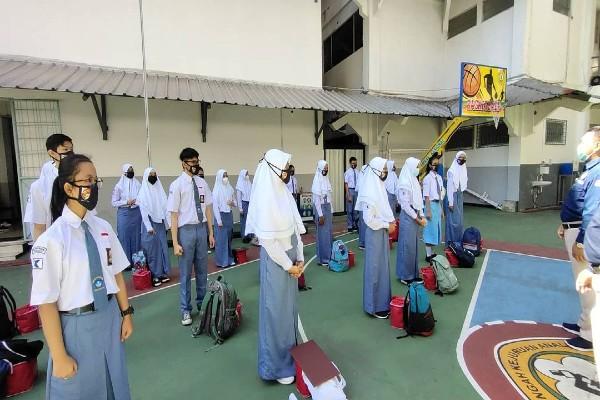 10 Berita Terpopuler : 1 dari 4 SMK Swasta Terbaik Nasional Ada di Solo - Kisah Warga Terjerat Pinjol