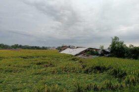 Angin Kencang Terjang 2 Kecamatan Di Sragen, Pabrik Batako Ambruk
