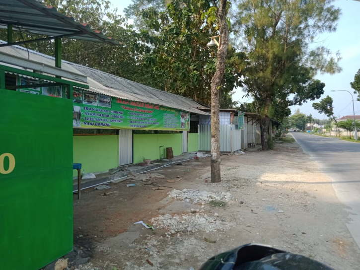 Walah, 1 Bangunan Liar Tepi Jalan Solo-Purwodari Sragen Ternyata Milik Seorang ASN