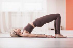 Gerakan Yoga Ini Bisa Bantu Sukseskan Program Hamil, Mau Coba?