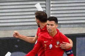 Rayakan Gol ke Gawang Prancis, Cristiano Ronaldo Dilempari Botol Coca Cola