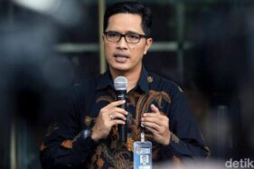 KPK Minta Interpol Terbitkan Red Notice Untuk Harun Masiku Setelah Setahun Buron, Febri Diansyah: Dagelan