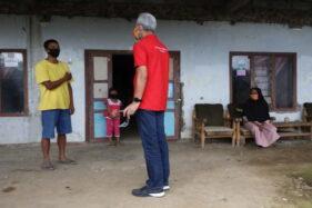 Cek Jogo Tonggo di Karanganyar, Ganjar Nyumbang Tilik Bayi dari Ibu Terkonfirmasi Covid-19