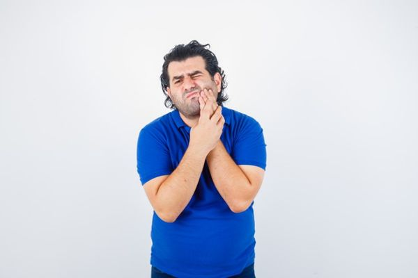 Cerpen Ketika Lurah Jombang Sakit Gigi