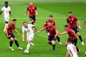Cheska 0-1 Inggris: Sterling Bikin Three Lions Juara Grup