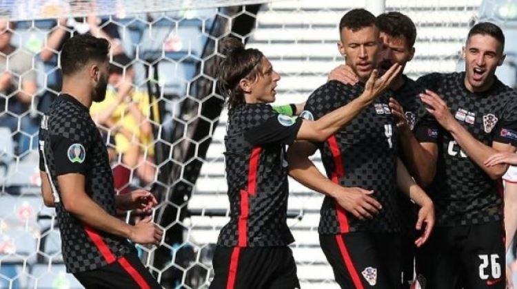 Kroasia 1-1 Republik Cheska: Perisic Selamatkan Kroasia dari Penalti Schick