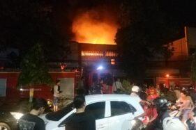 Toko Tekstil di Ponorogo Kebakaran, 2 Rumah di Samping Ikut Terbakar