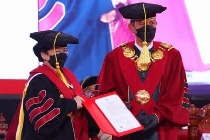 Megawati Resmi Sandang Gelar Profesor dari Unhan karena Tacit Knowledge, Apa Itu?