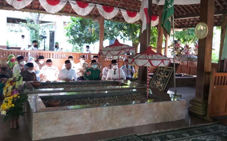 Wakil Ketua DPR  sekaligus Ketum PKB, Abdul Muhaimin Iskandar (Gus Ami), bersilaturahmi di Ponpes Al Muttaqien Pancasila Sakti (Alpansa) di Karanganom, Klaten, Jumat (4/6/2021). (Solopos-Ponco Suseno)