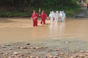 Anggota Tim Pemakaman Pasien Covid-19 Wonogiri Ceritakan Pengalaman Bawa Jenazah Seberangi Sungai