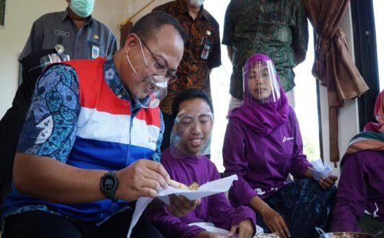 Kunjungi Sriekandi Patra, Staf Khusus Presiden Beri Semangat Para Difableprenuer Binaan Pertamina