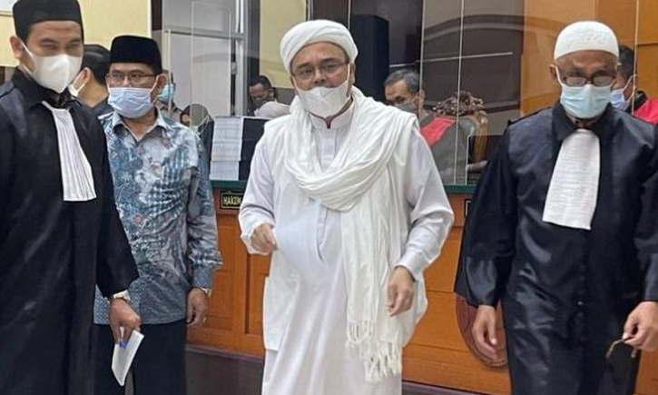 Terbukti Sebarkan Berita Bohong, Habib Rizieq Divonis 4 Tahun Penjara