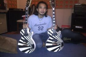 Segini Harga Gitar Gibson Pertama Milik Piyu