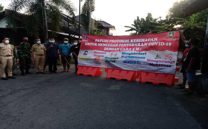 Plong, Suka Cita Warga Kelurahan Sumber Solo Lepas dari Karantina Wilayah