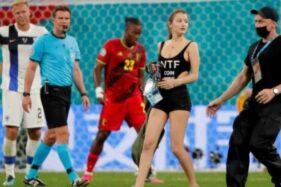 """Aha…Suporter Cantik Ikut """"Main"""" saat Finlandia Vs Belgia"""