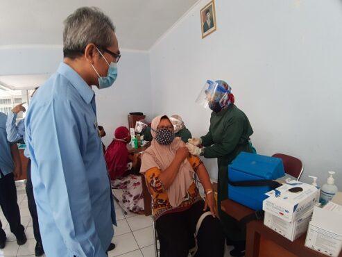 Mantap! Hampir 25 Persen Pedagang Pasar di Bantul Tervaksinasi