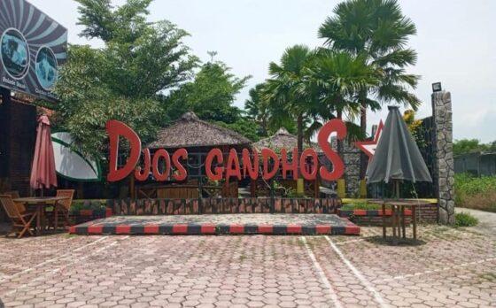 Warung makan Djos Gandhos yang memberikan makanan gratis kepada warga yang sedang isoman maupun terdampak Covid-19. (Solopos.com/Moh Khodiq Duhri)