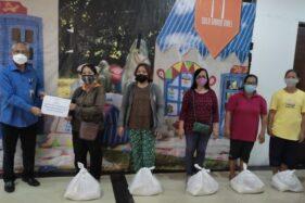 Berbagi ke Warga Sekitar, Solo Grand Mall Bagi-bagi Paket Sembako
