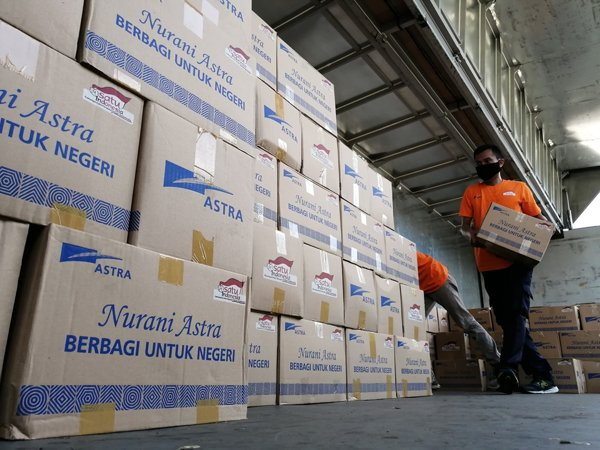 Total Rp200 Miliar, Astra Serahkan Bantuan Tahap Ketujuh Rp30 Miliar untuk Masyarakat Terdampak Pandemi