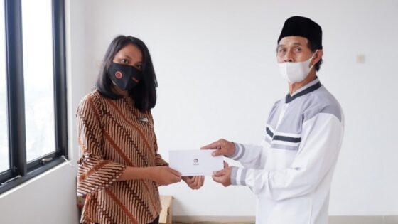 Nava Hotel mengajak masyarakat untuk peduli terhadap lingkungan sekitar dan turut serta membantu anak-anak TPA Da'arul Qur'an yang terletak di Tawangmangu. (Istimewa)