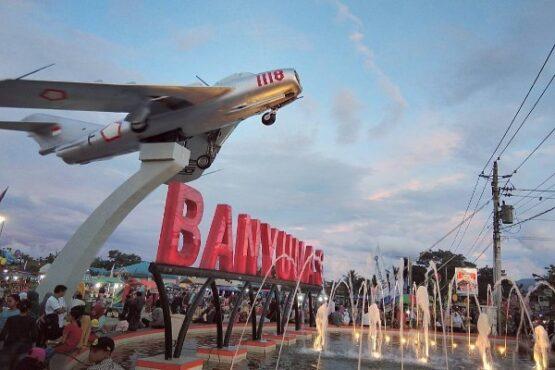 Pesawat MIG 17 Fresco Milik TNI AU terpasang di Alun Alun Kota Banyumas (Instagram/@instapurwokerto)