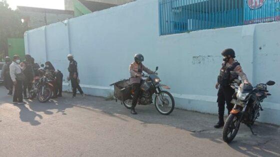 Naik Kawasaki KLX, Komandan Tim Sparta Solo Blusukan Bawa Beronjong