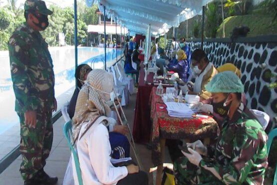 Vaksinasi Desa di Kabupaten Magelang Digelar di Kolam Renang