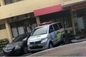 Pecahan Benda Yang Dilempar Ke Mobil Ambulans Di Purwosari Solo Mirip Batu Bata