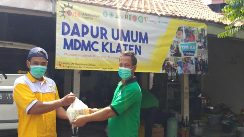 Juragan Tahu Asal Cokro Tulung Ini Kirim Bantuan Tahu ke Dapur Umum MDMC Klaten