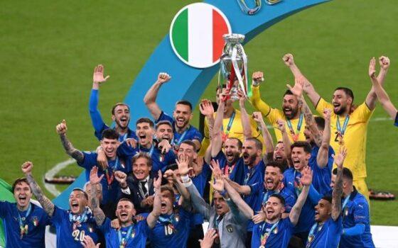 Timnas Italia juara Piala Eropa 2020 setelah mengalahkan Inggris melalui adu penalti 3-2 di Stadion Wembley, London, Senin (12/7) dini hari WIB. (Reuters)