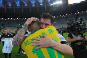 Momen Haru, Neymar Menangis Dipeluk Messi Saat Argentina Juara Copa America