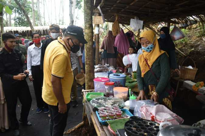 pasar wisata unik soloraya pasar ciplukan karanganyar