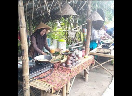 Belanja Makin Asyik Pakai Koin Gerabah di Pasar Pinggul Klaten