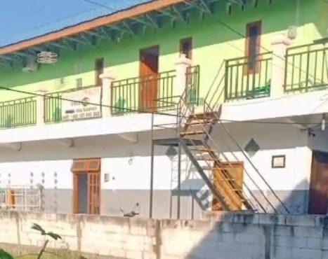 Mayat Perempuan Ditemukan Membusuk di Kamar Indekos Madiun, Polisi Temukan KTP Pria
