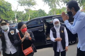 Puan Maharani Datang, Vaksinasi Di Surabaya Ditunda, Warga Kecewa