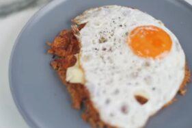 Chef Arnold Bikin Waffle Nasi Goreng Ala Kai EXO, Ini Cara Membuatnya