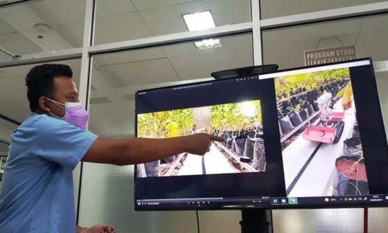 IPB dan Udinus Kolab Bikin Robot Pemanen Melon
