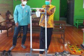 KKN UNS di Miri Sragen, Kelompok 342 Bikin Alat Hand Sanitizer Pijak sampai Peduli Literasi