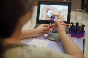 Sambut Semangat Belajar Wanita Indonesia, aroom.id Hadir untuk Perkaya Kreativitas dan Produktivitas di Rumah