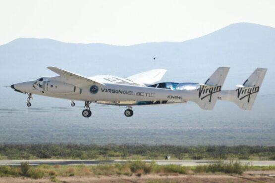 Virgin Galactic Jual Tiket Terbang Antariksa Rp6,5 M