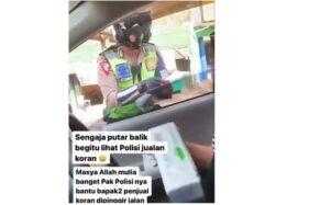 Viral Polisi Bantu Pedagang Tua Jualan Koran di Gemblegan Solo, Netizen Terenyuh