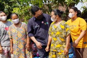 Kunjungi Ibu-Ibu Nasabah Mekaar Jatim, Menteri BUMN: Bismillah, November Cicilan Turun!
