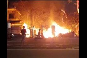 Warung Kosong Pinggir Jl A Yani Kartasura Sukoharjo Ludes Terbakar